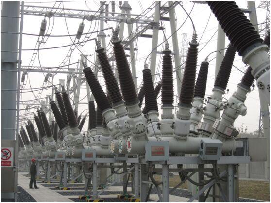 ZHW5-126(L)/T 3150-40型 SF6气体绝缘金属封闭开关设备